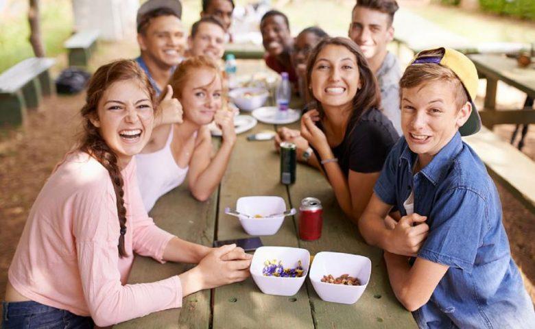 3. Bisnis Menarget Konsumen Muda